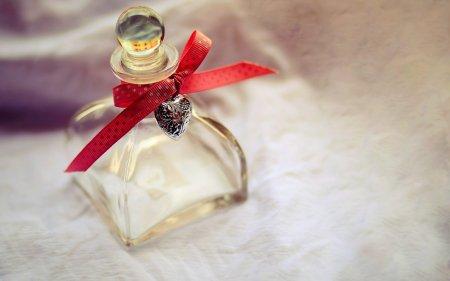 Бутылочка с сердечком